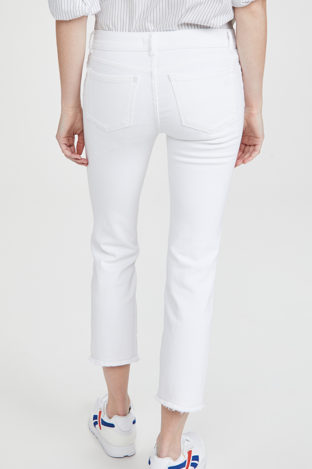 DL1961 Mara Straight Ankle Milk - Side Cropped Image