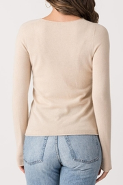 Margaret O'Leary Casey Fitted Crew - Back cropped