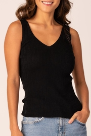 Margaret O'Leary Double-V Rib Tank - Front cropped