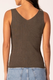 Margaret O'Leary Double-V Rib Tank - Side cropped