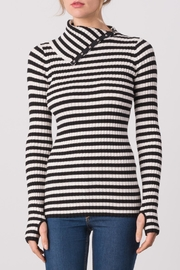 Margaret O'Leary Kristen T Neck - Front cropped