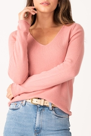 Margaret O'Leary Vivian Fitted Vee - Front cropped