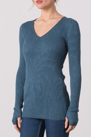 Margaret O'Leary Waffle Vee Neck Tee - Front cropped
