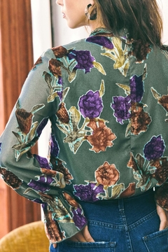 Saylor Mariel Floral Top - Alternate List Image