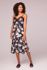 Band Of Gypsies Marilyn Black & White Floral Dress - Product Mini Image
