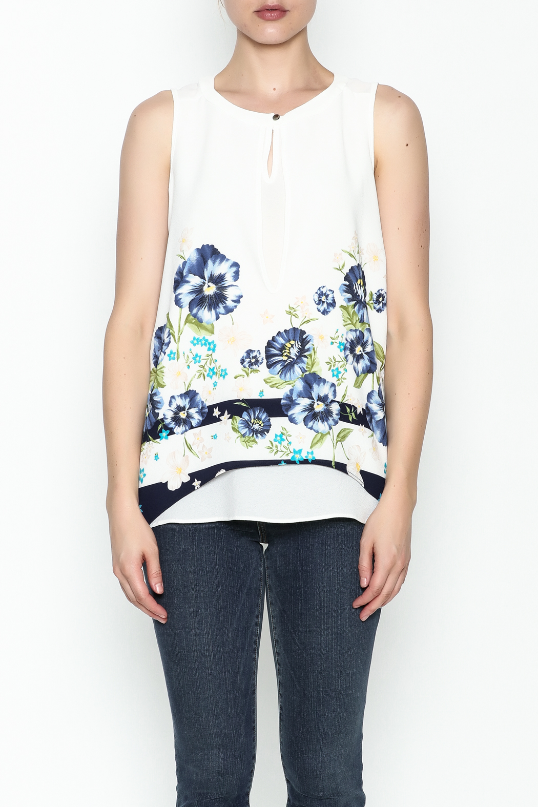 Marvy Fashion Flower Printed Top - Front Full Image