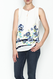 Marvy Fashion Flower Printed Top - Front cropped