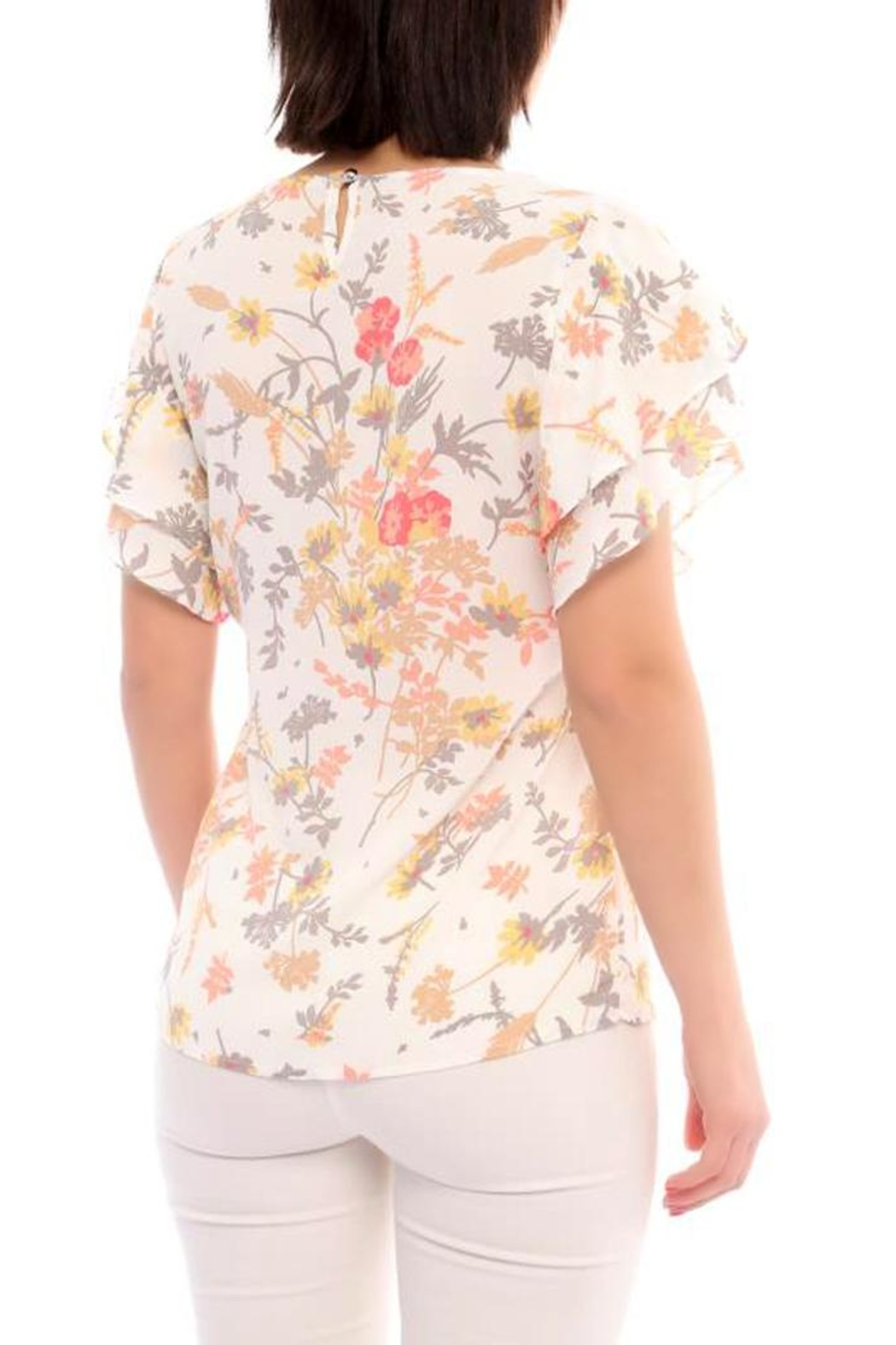 Marvy Fashion Flower Print Top - Front Full Image