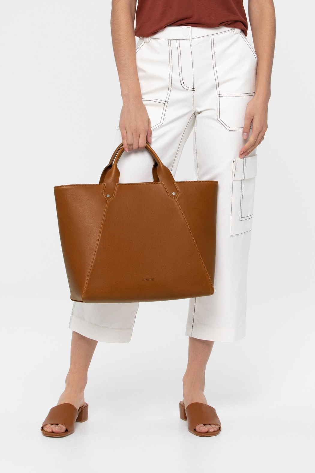 Matt & Nat Selen Tote - Side Cropped Image