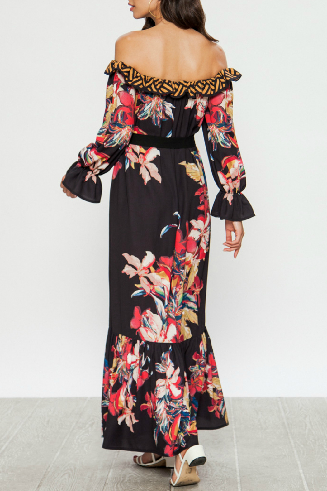 Flying Tomato Maxi dress with floral print - Side Cropped Image