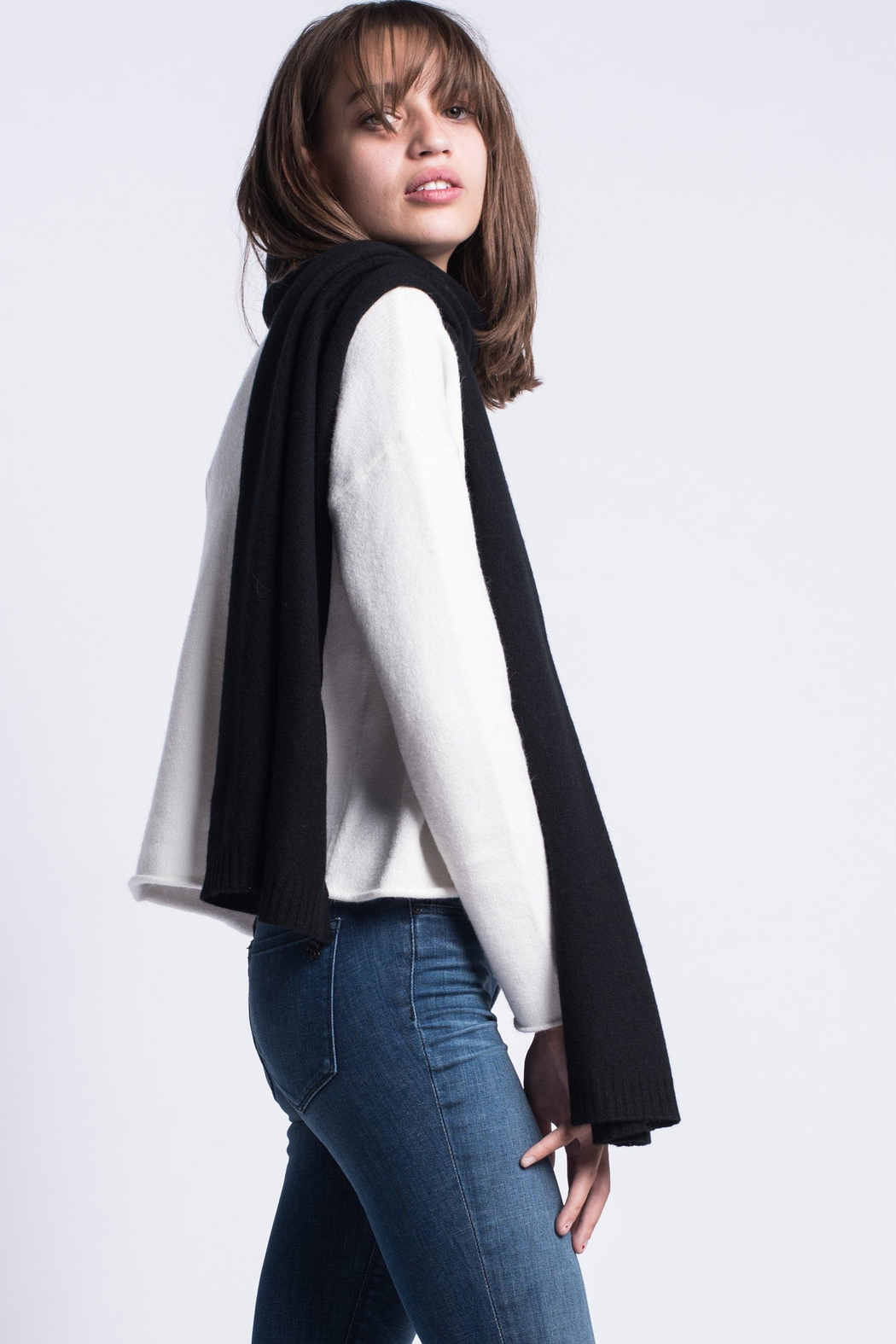 Maxmara Cashmere Scarf Black - Front Cropped Image