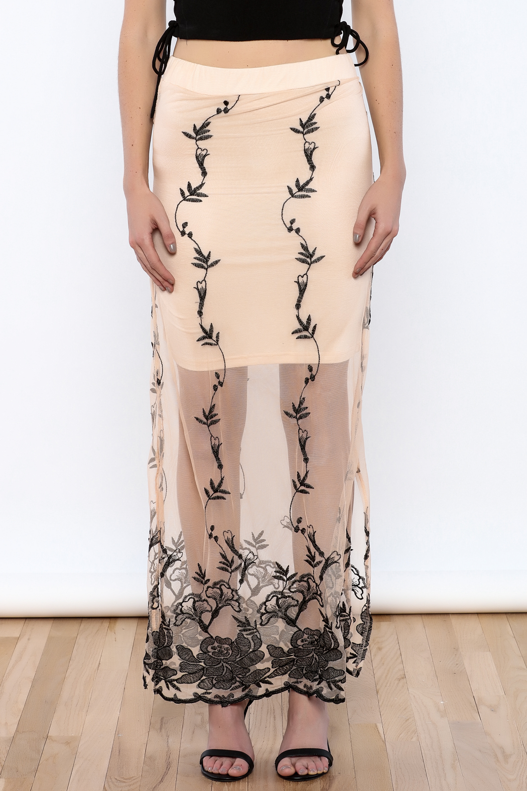 may & july Embroidered Cream Maxi Skirt - Side Cropped Image