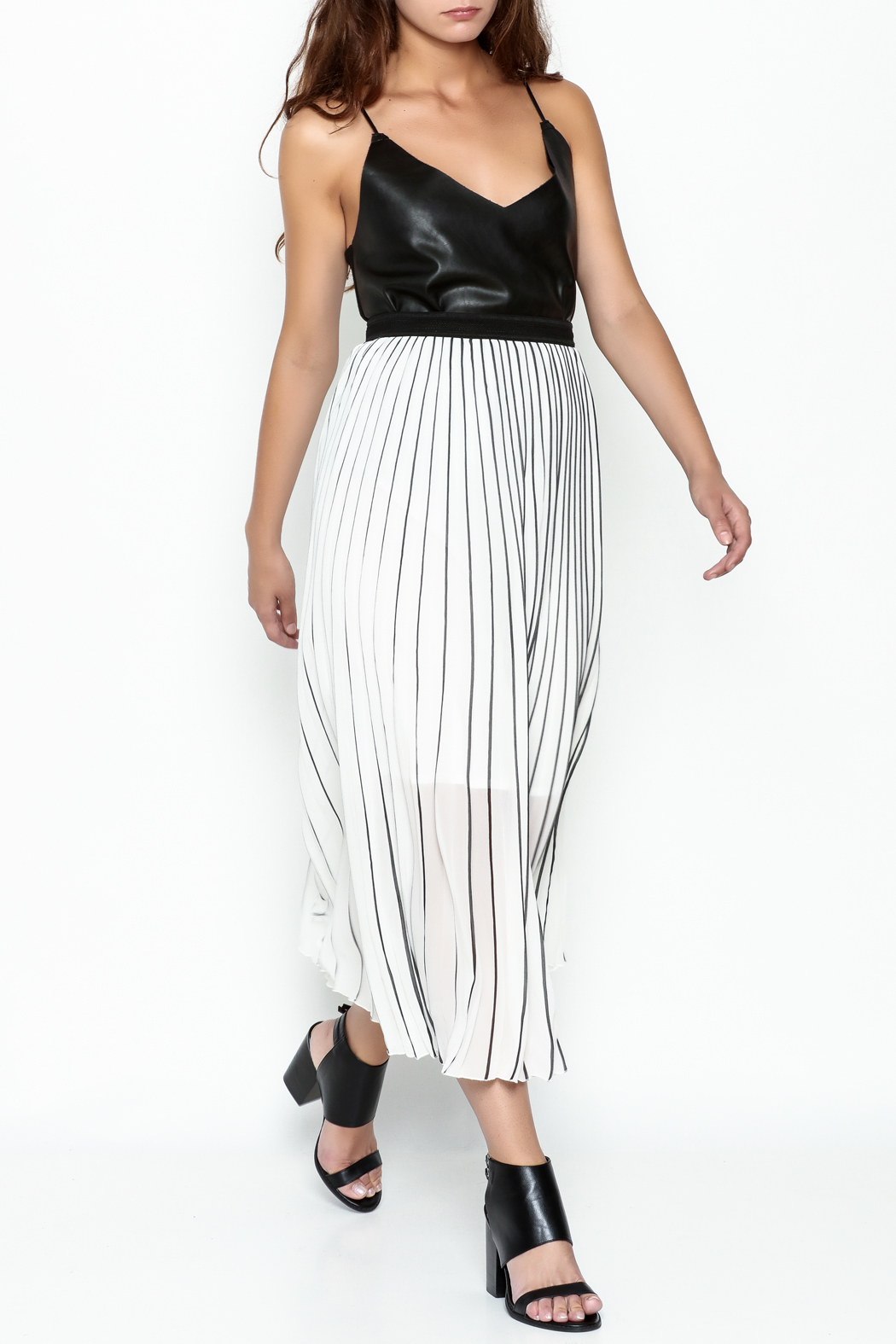 MC Oasis Striped White Skirt - Side Cropped Image