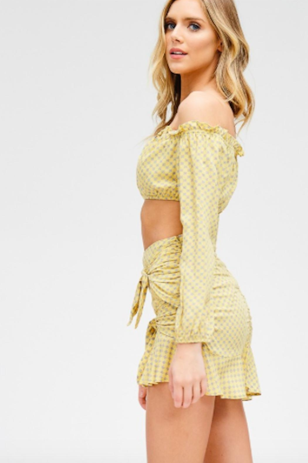 TIMELESS Mellow Yellow Set - Side Cropped Image
