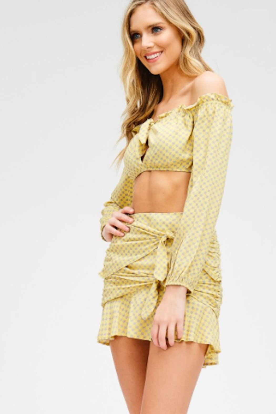 TIMELESS Mellow Yellow Set - Front Full Image