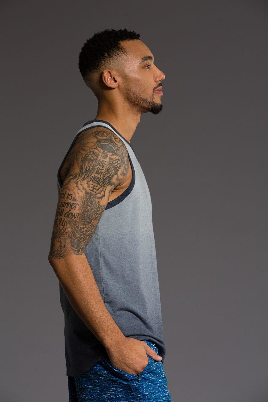 Onzie Mens Ombre Tank - Side Cropped Image