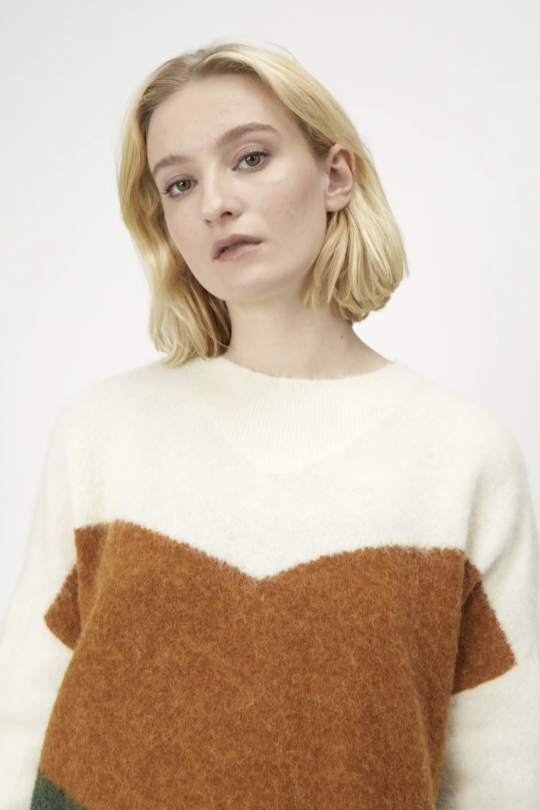 Just Female Merle Knit - Front Full Image