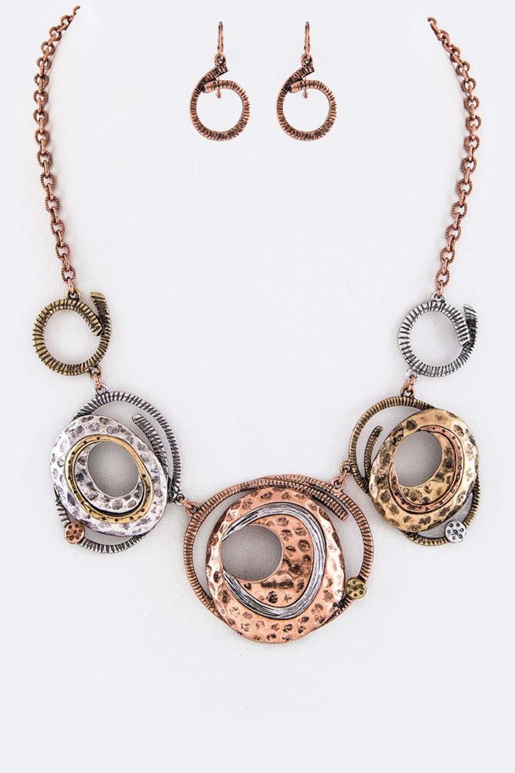 Nadya's Closet Metal Plates Necklace-Set - Front Cropped Image