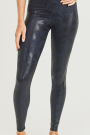 Mono B Metallic Foil Print Leggings - Front cropped