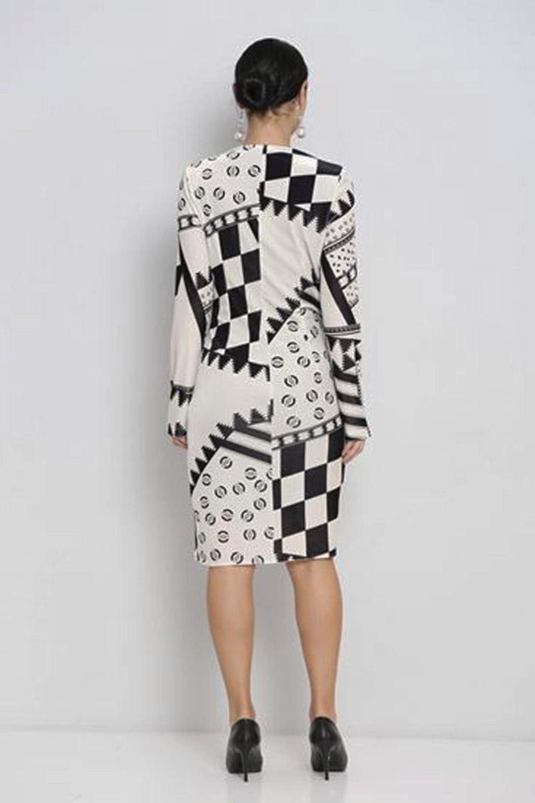 Mianotte Geo Print Dress - Back Cropped Image