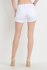 Just USA Mid-Rise Frayed Shorts - Side cropped