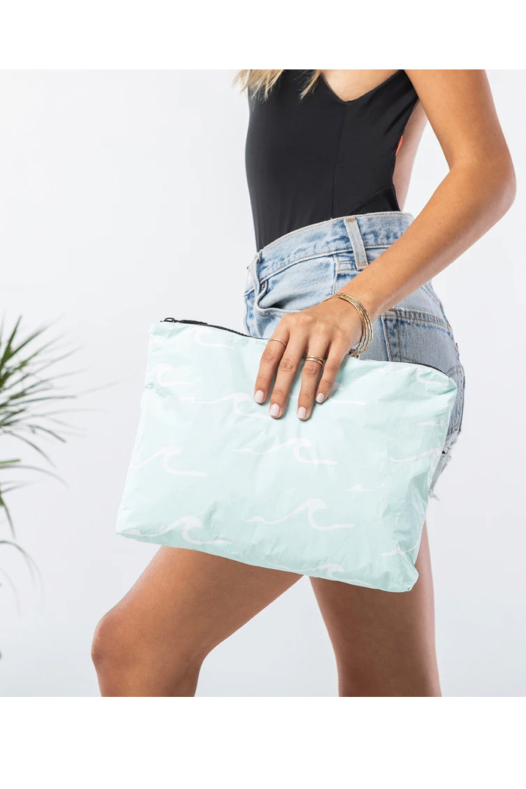 Aloha Collection Mid Seaside Pouch in LeMU Blue - Front Full Image