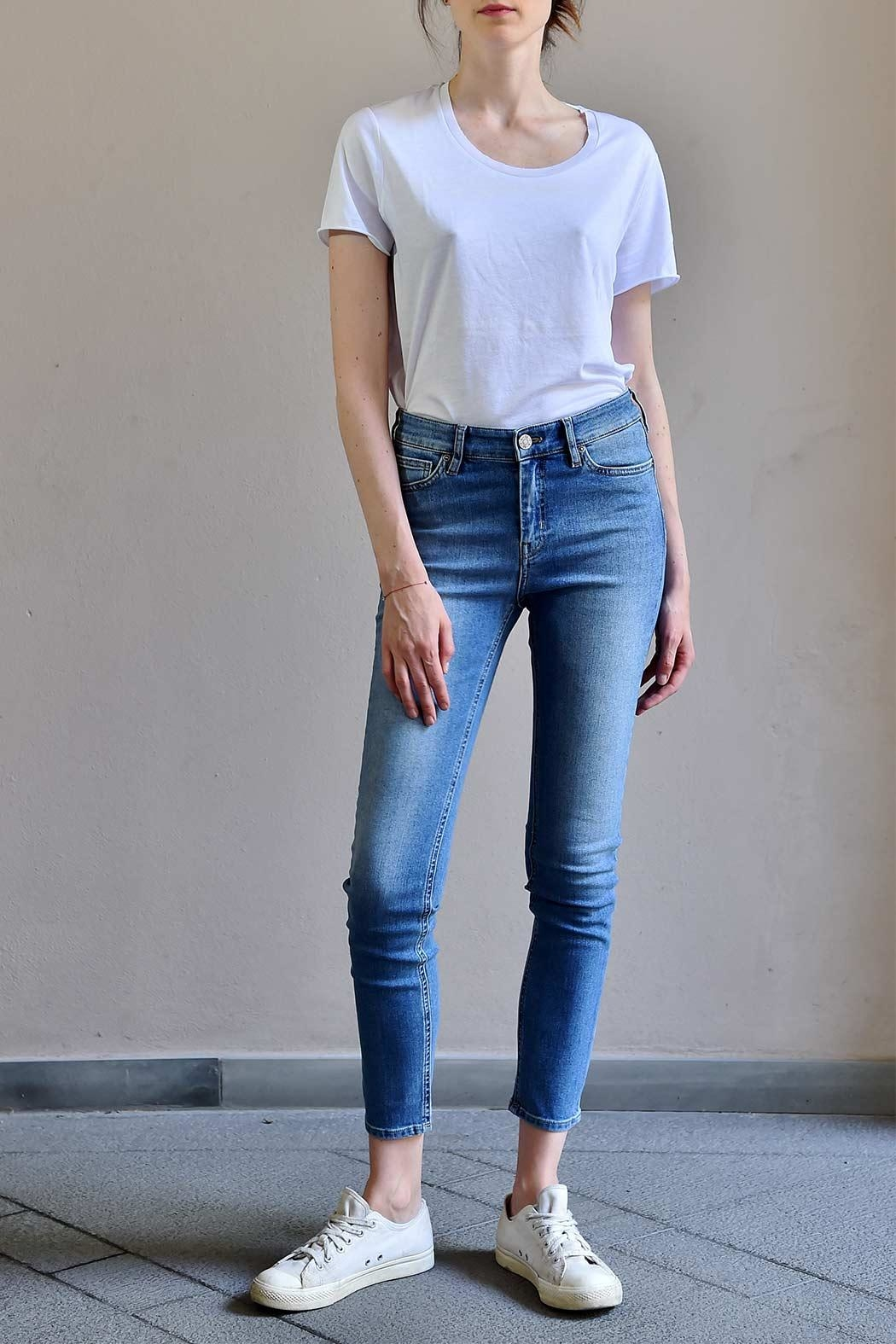 MiH Jeans High Rise Jeans - Front Cropped Image