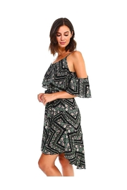 Miley and Molly Blink Floral Print Handy Hem Waist Dress - Front cropped