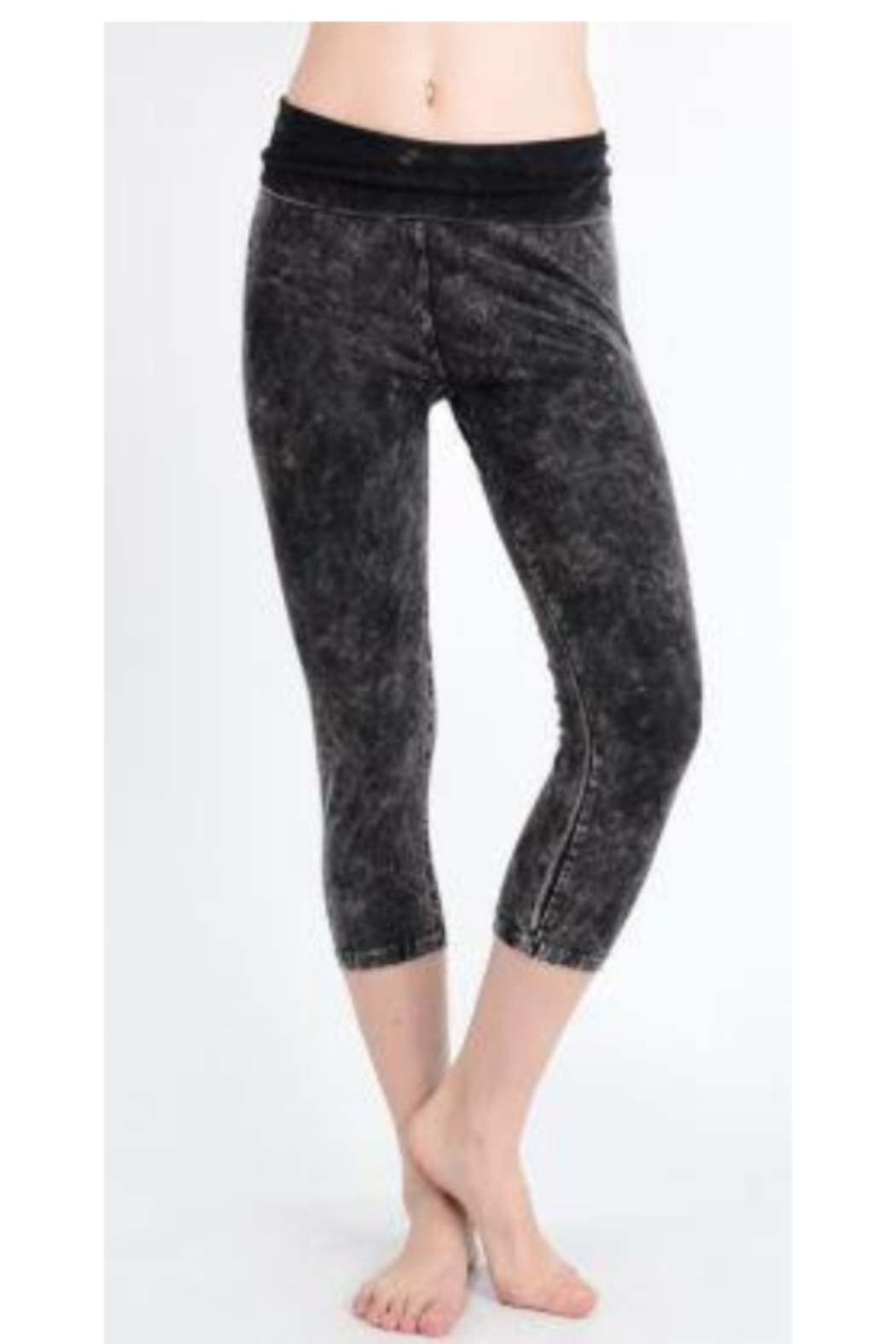 T Party Mineral Washed Capri Length Cropped Yoga Leggings - Front Cropped Image