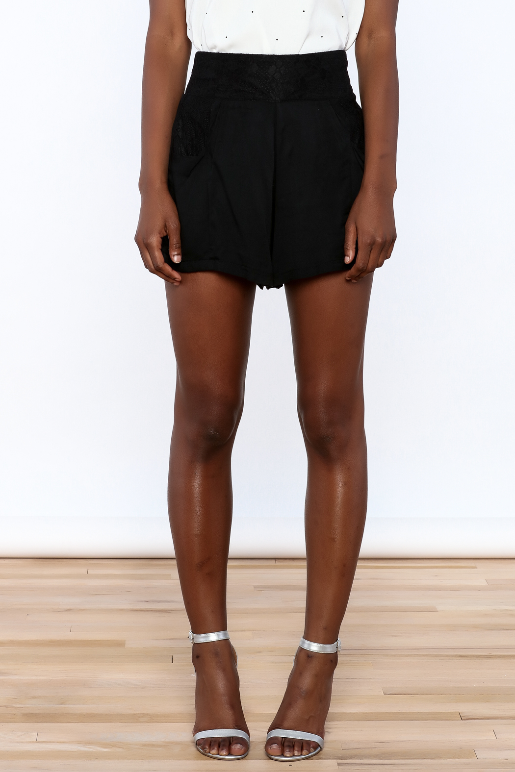 MINKPINK Flared High Waist Shorts - Side Cropped Image