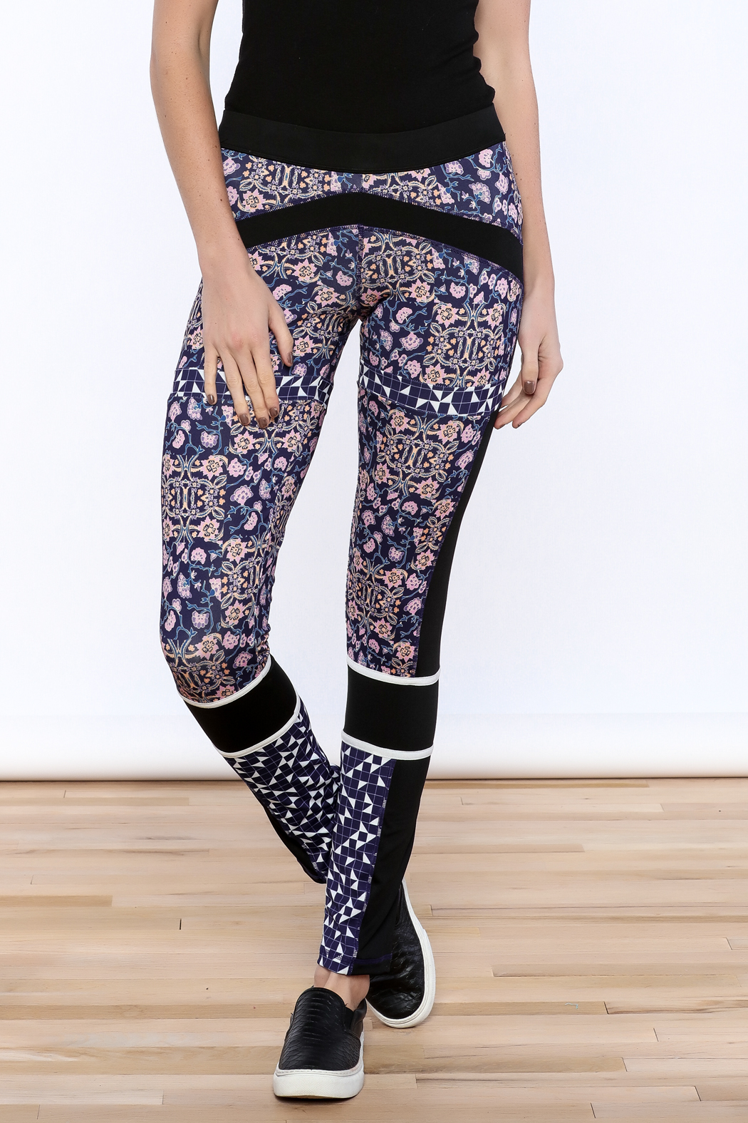 9e04d9ea87a MinkPink Move Endorphins Legging from New York by Luna — Shoptiques