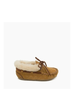 Minnetonka Charley Slipper - Alternate List Image