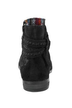 Minnetonka Dixon Booties Black - Alternate List Image