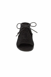 Minnetonka Moccasin Minnetonka Lyra Open-Toe-Bootie - Side cropped