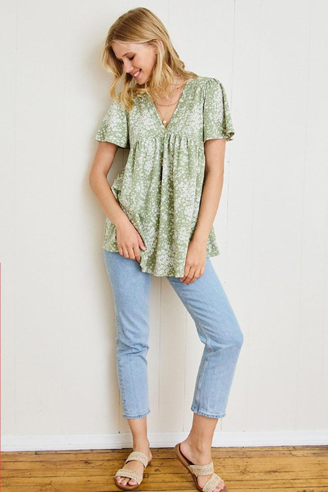 Mint Cloud Boutique Ditsy Floral Babydoll Tunic - Back Cropped Image