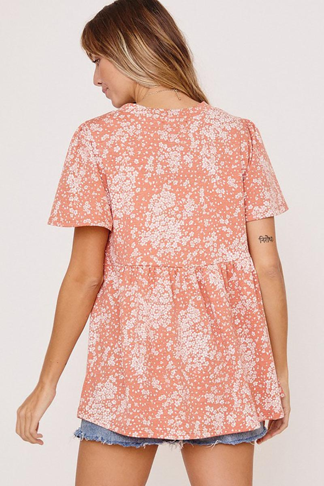 Mint Cloud Boutique Ditsy Floral Babydoll Tunic - Side Cropped Image