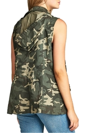 Minx Camouflage Utility Vest - Side cropped