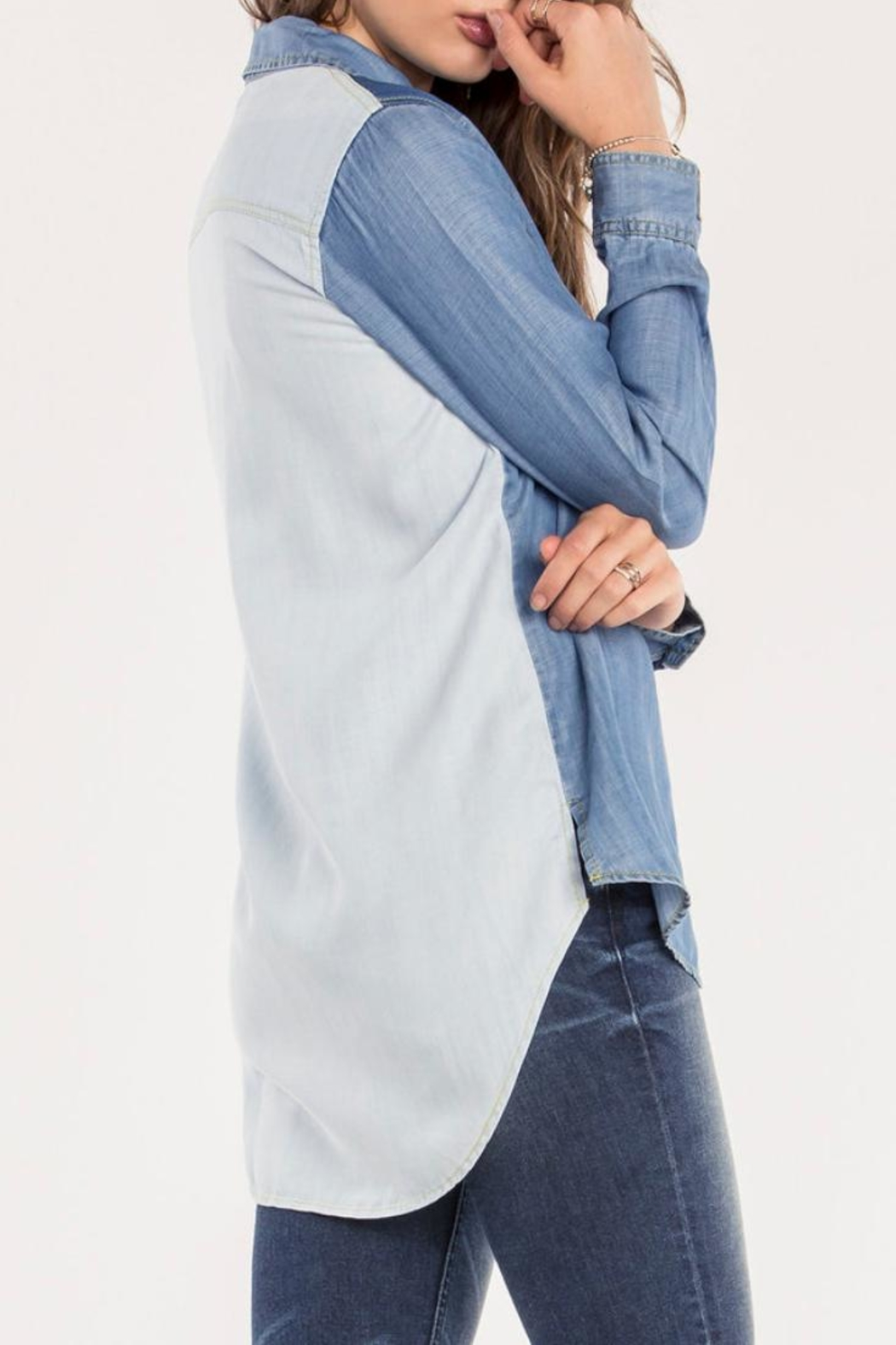 Miss Me Two Tone Chambray Top - Side Cropped Image