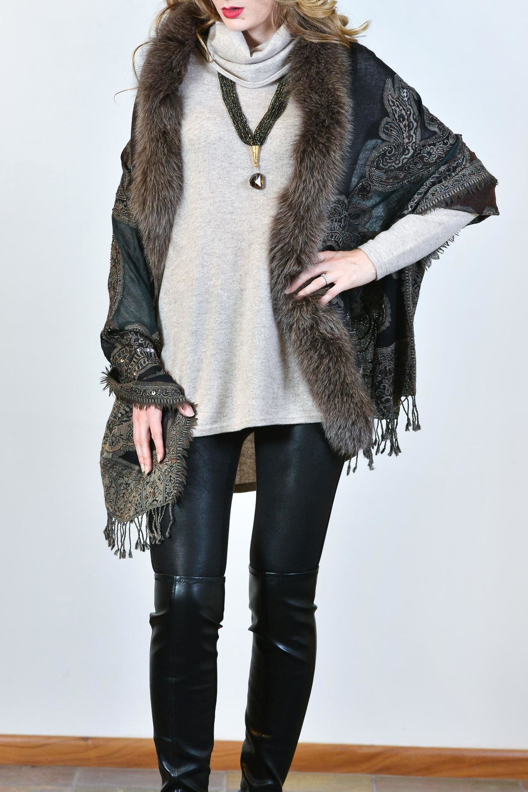 Mitchies Matching Fox Fur Wrap - Front Cropped Image