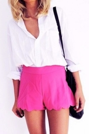 Mittoshop Scalloped Hem Shorts - Front cropped