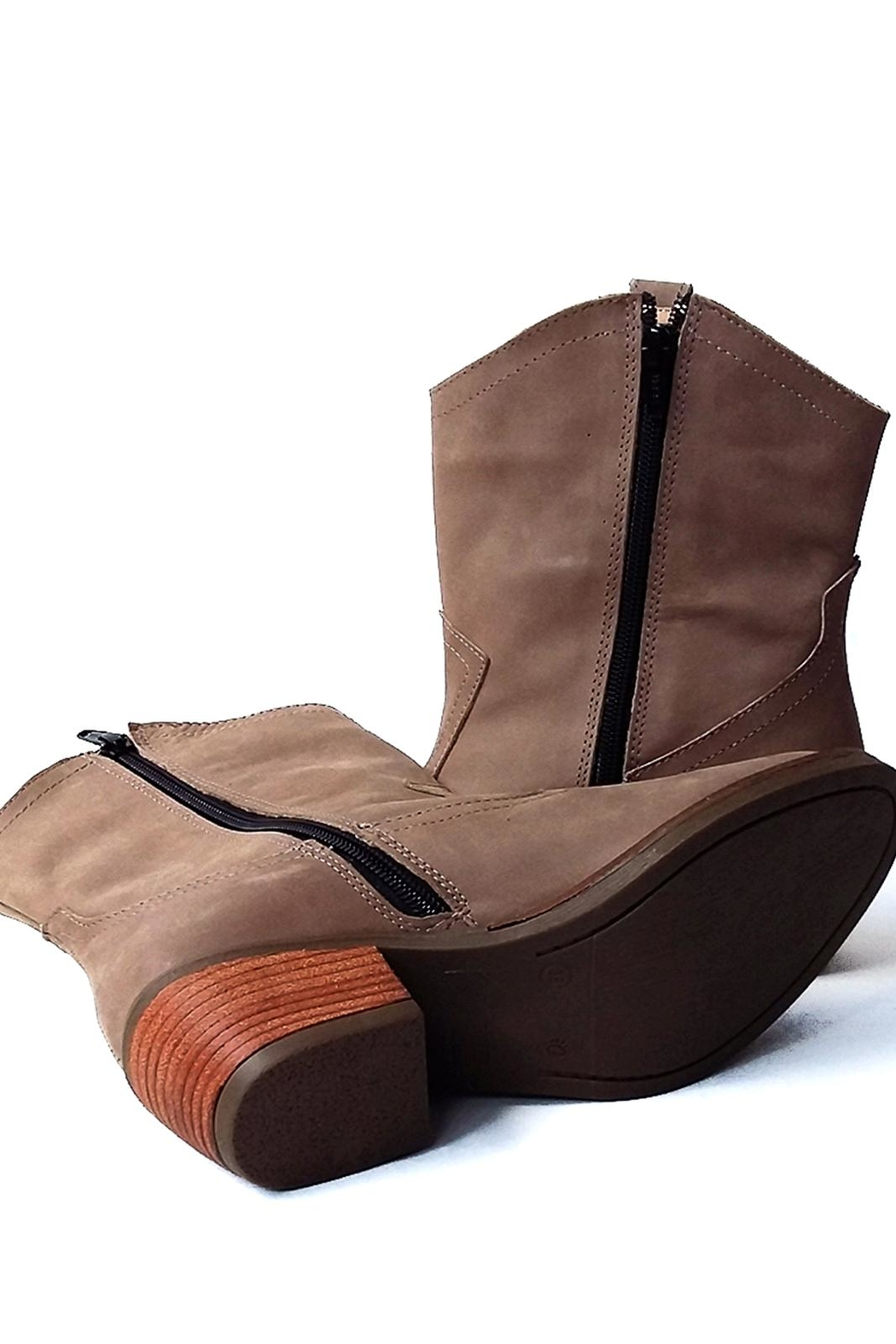MIYE COLLAZZO Brown Cowboy Boot - Back Cropped Image