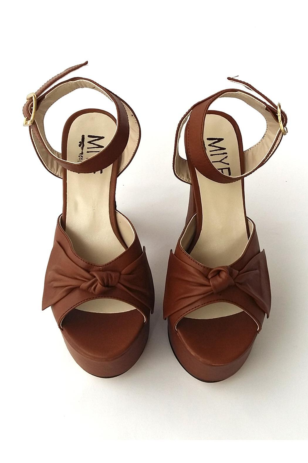 MIYE COLLAZZO Brown Taco Leather Sandal - Side Cropped Image