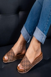 MKS Vale 14 Chess Brown - Front cropped
