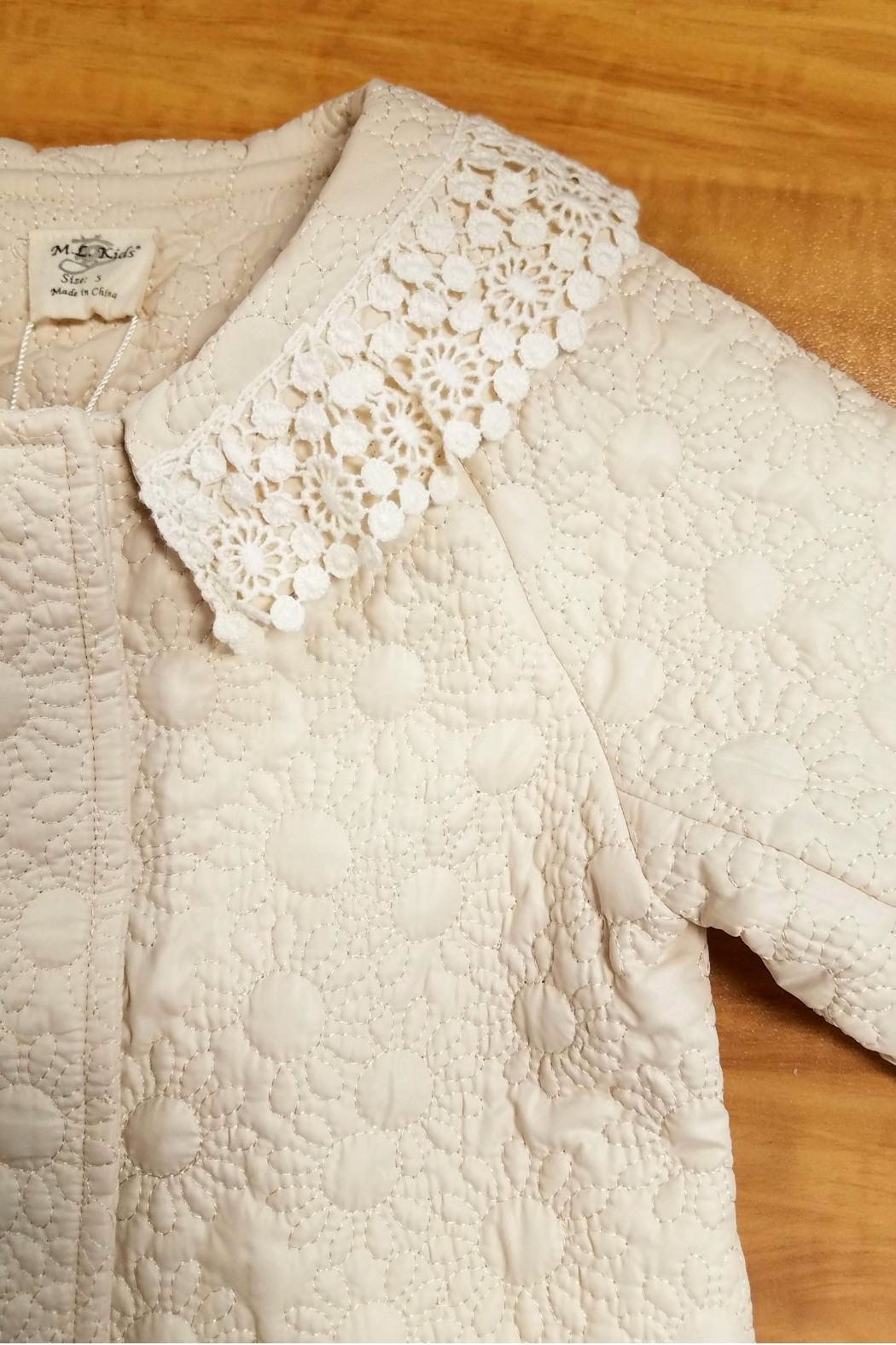 ML Kids Quilted-Daisy-Print Crochet-Neckline Jacket - Side Cropped Image