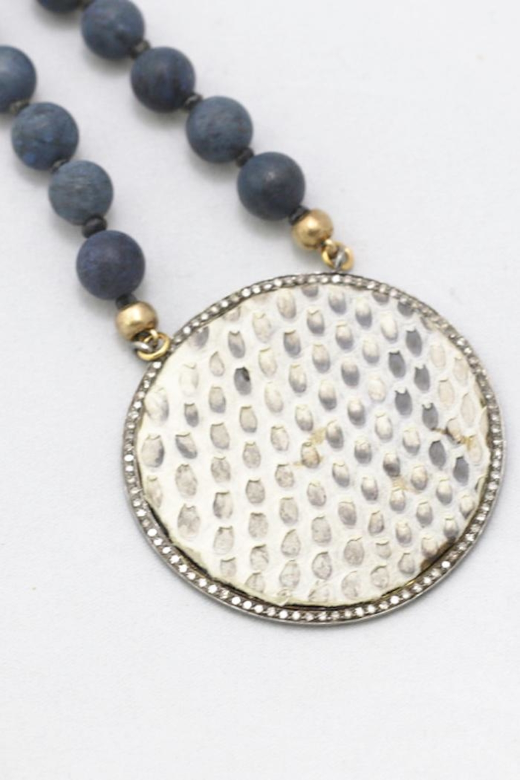 Maria Lightfoot Python Disc Necklace - Side Cropped Image