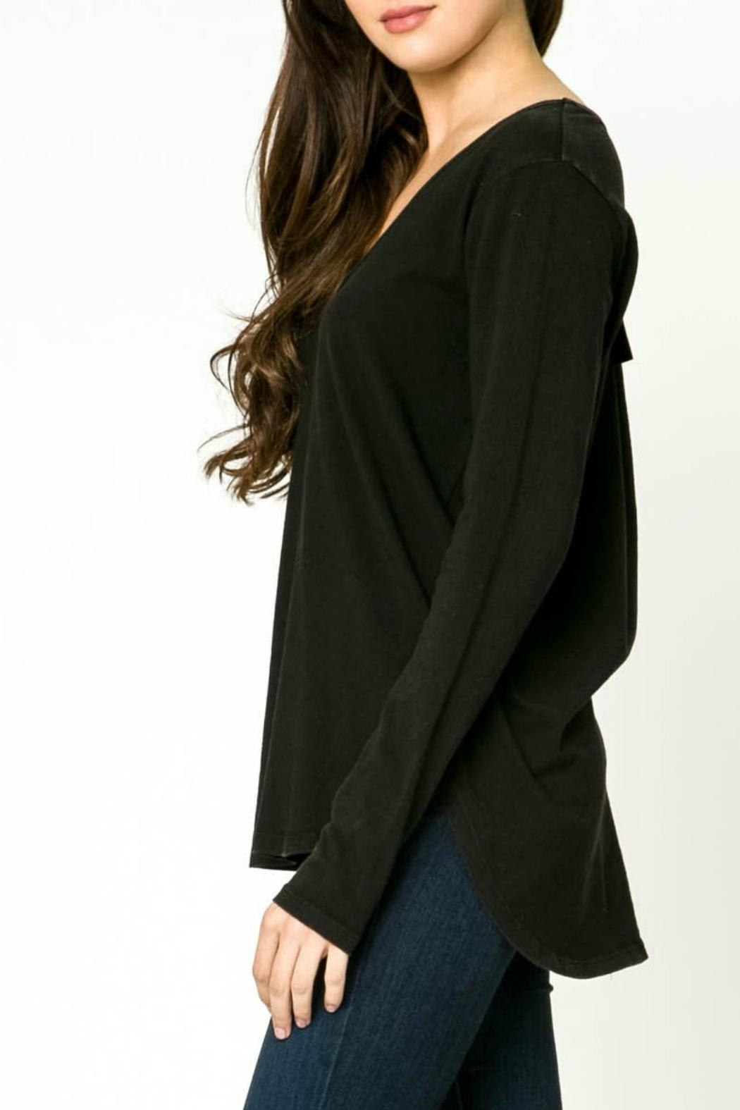 mo:vint Long Sleeve V-Neck Top - Front Full Image