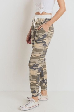 MOD&SOUL Camo Jogger Pants - Alternate List Image
