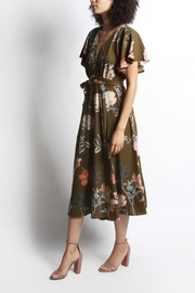Mod Ref Floral Midi Dress - Front cropped