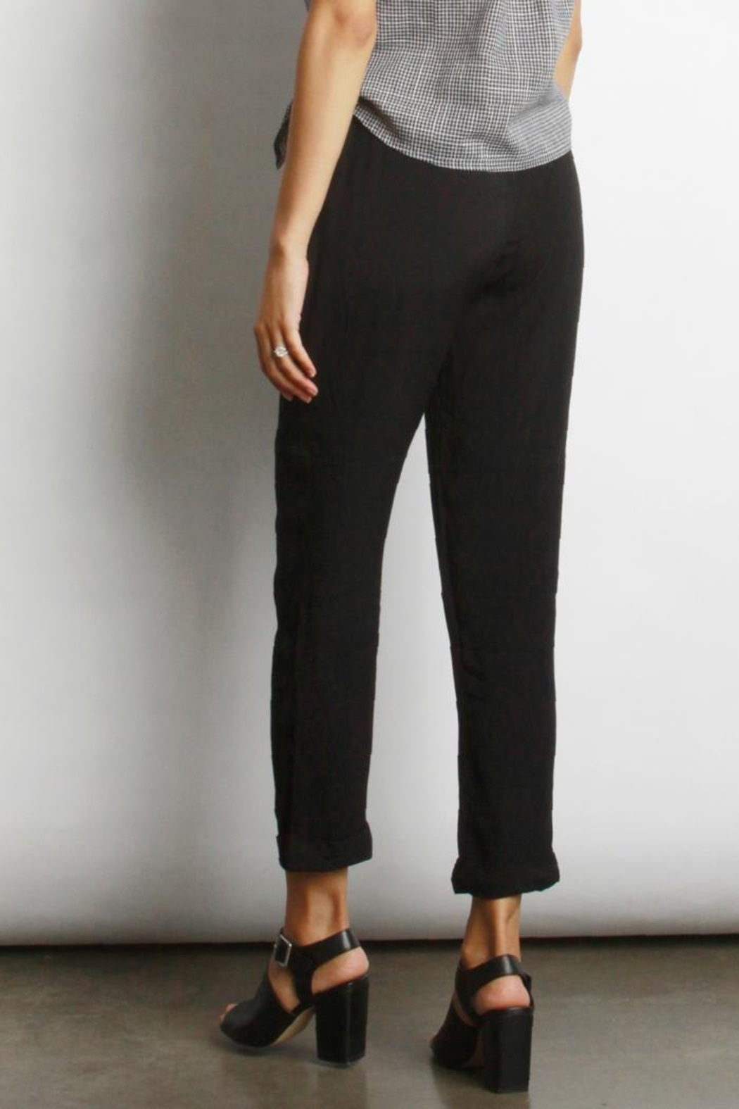 Mod Ref Loise Cuffed Pant - Side Cropped Image
