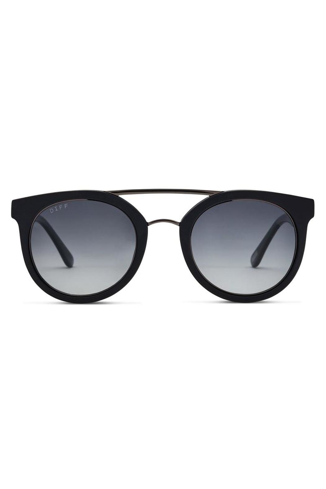 Diff Eyewear Modern Round Sunglasses - Front Cropped Image